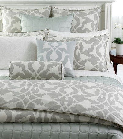 Nice Aren ut these sets gorgeous I um partial to the Gray Faux Silk Donna Karan Black Collection set directly above Reg for this Queen Duvet Cover