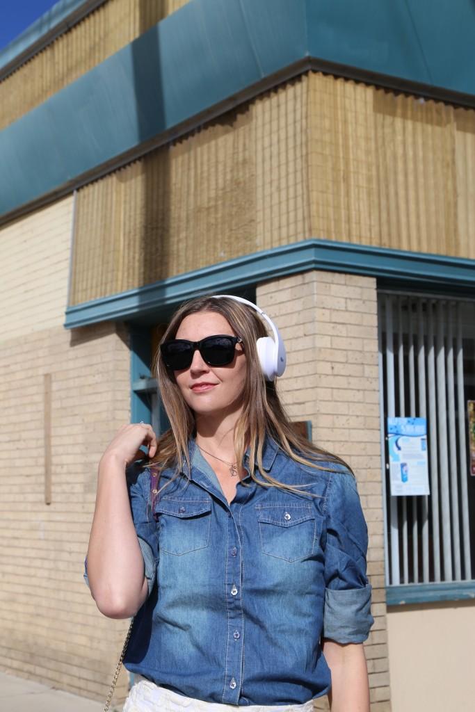 dbs Bluetooth headphones style blogger