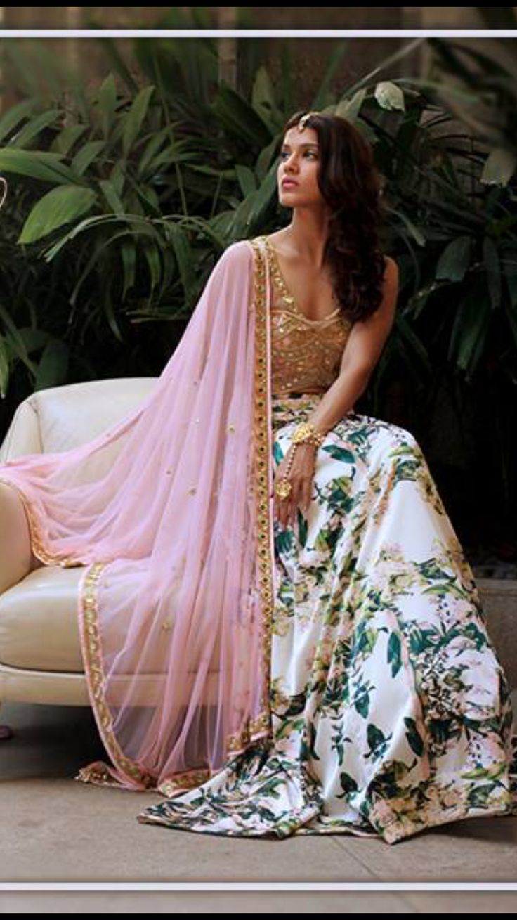 Indian weddings what should a wedding guest wear for Indian wedding dresses for guests