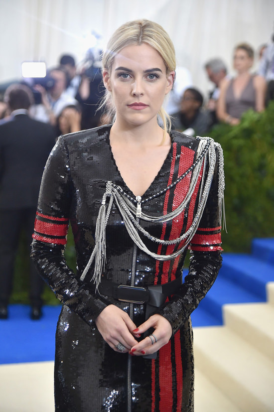 MakeupHowTo: Get Riley Keough's Flawless Met Gala Makeup