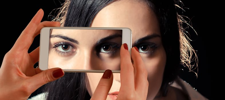 Eyevage: A Perfect Anti-Aging Eye Rejuvenation Treatment