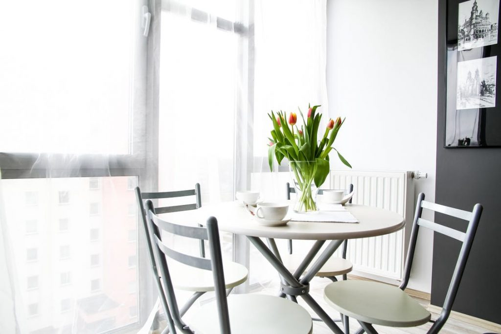 7 Decorating Tips to Transform Any Small Space