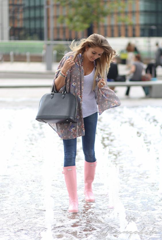 Comfortable Outfits For Rainy Days