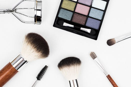 5 Party Makeup Application Tips for Beginners