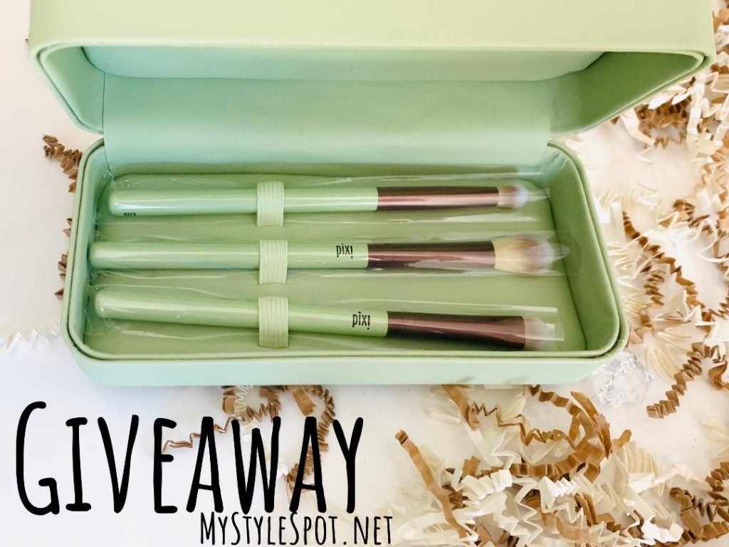 GIVEAWAY: Win a Pixi Beauty Makeup Brush Set & Makeup Case