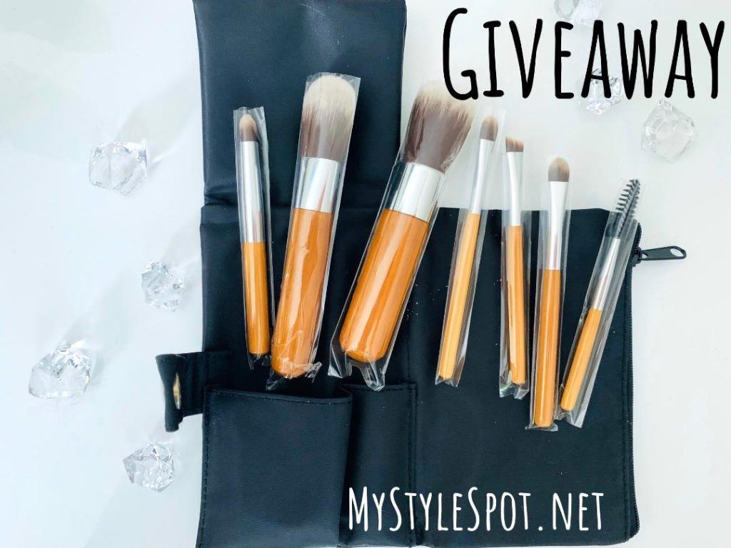 GIVEAWAY: Win a Bamboo Travel Makeup Brush Set