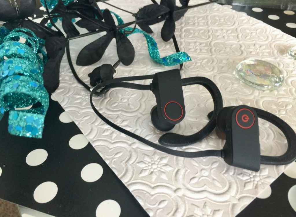 A Must Have for Your Next Workout: SmartOmi U8 Headphones