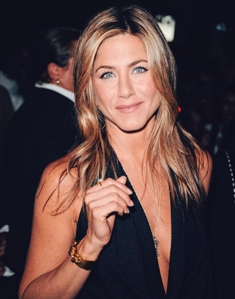 Top 5 Celebrities Who Look Great Over Age 45