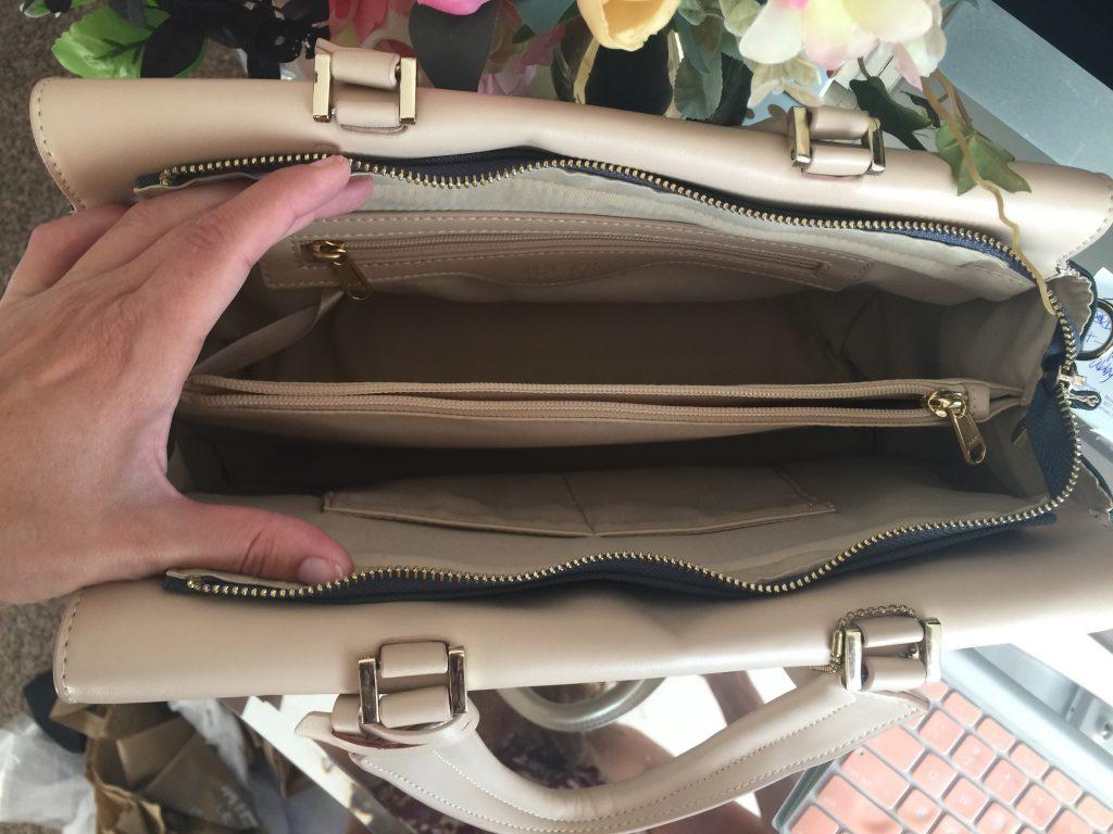 GIVEAWAY: Win a Gorgeous Canvas + Faux Leather Handbag