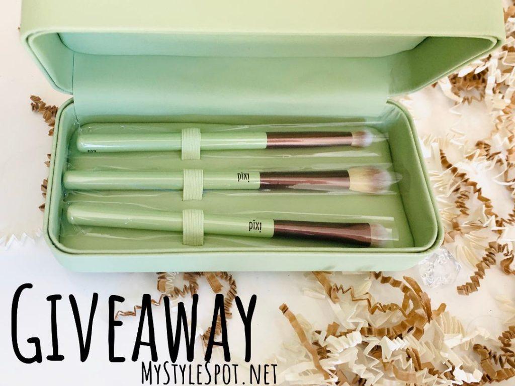 GIVEAWAY: Win a Pixi Beauty Makeup Brush Set & Makeup Case