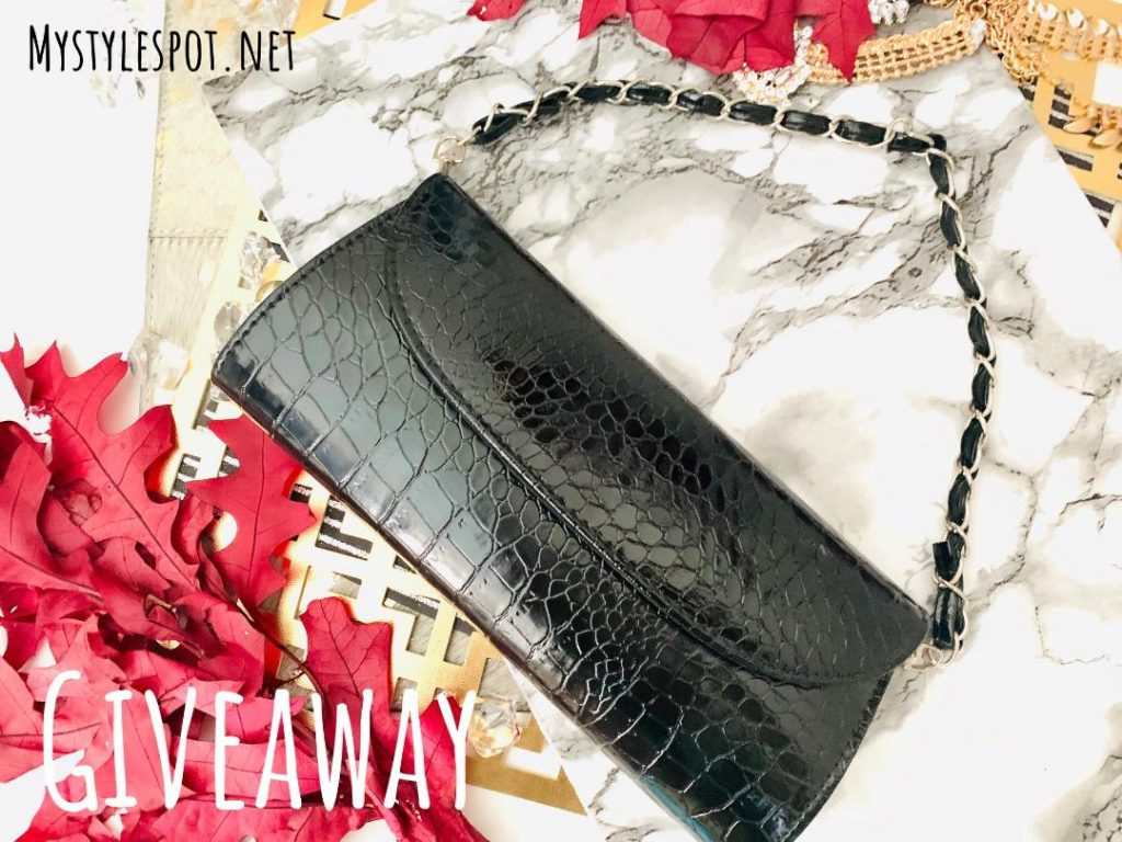 GIVEAWAY: Enter to Win a Chic Black Clutch