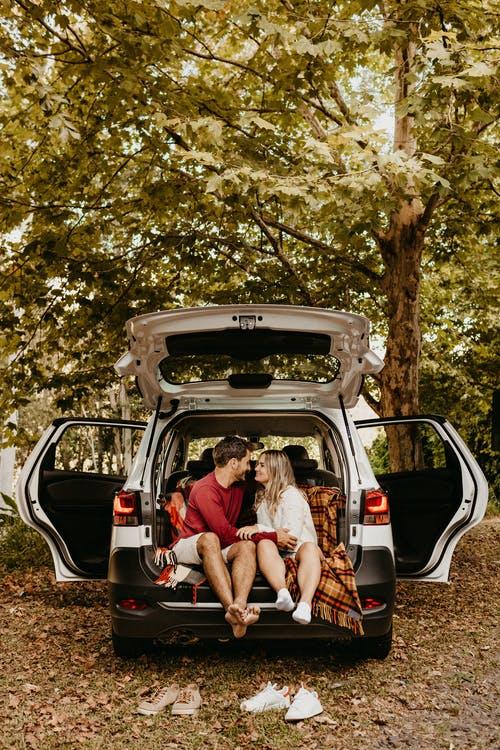 9 Fun and Romantic Backyard Date Ideas